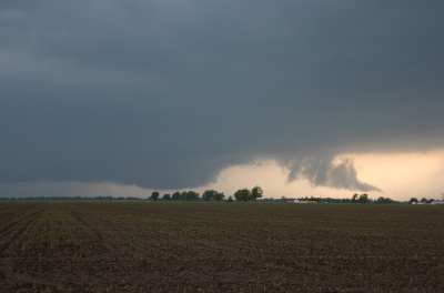 Wall Cloud Forming